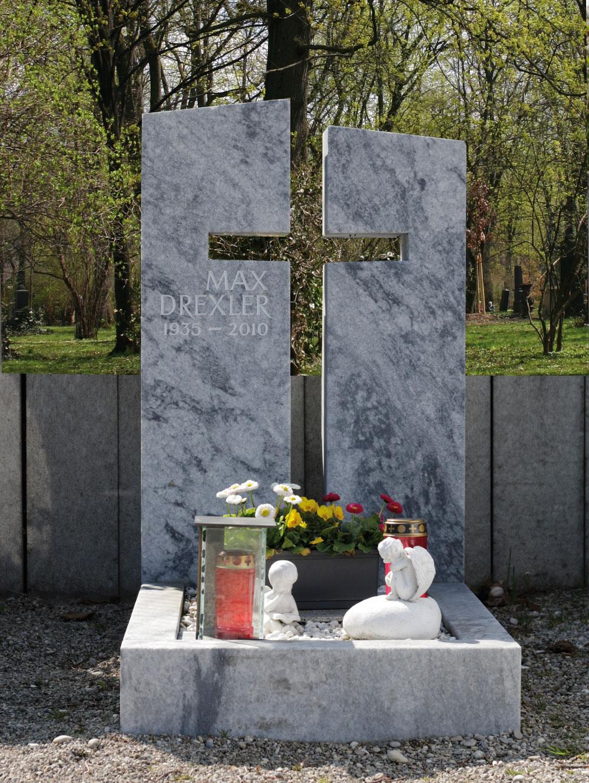 """Urnenstein """"Kreuz VII"""""""