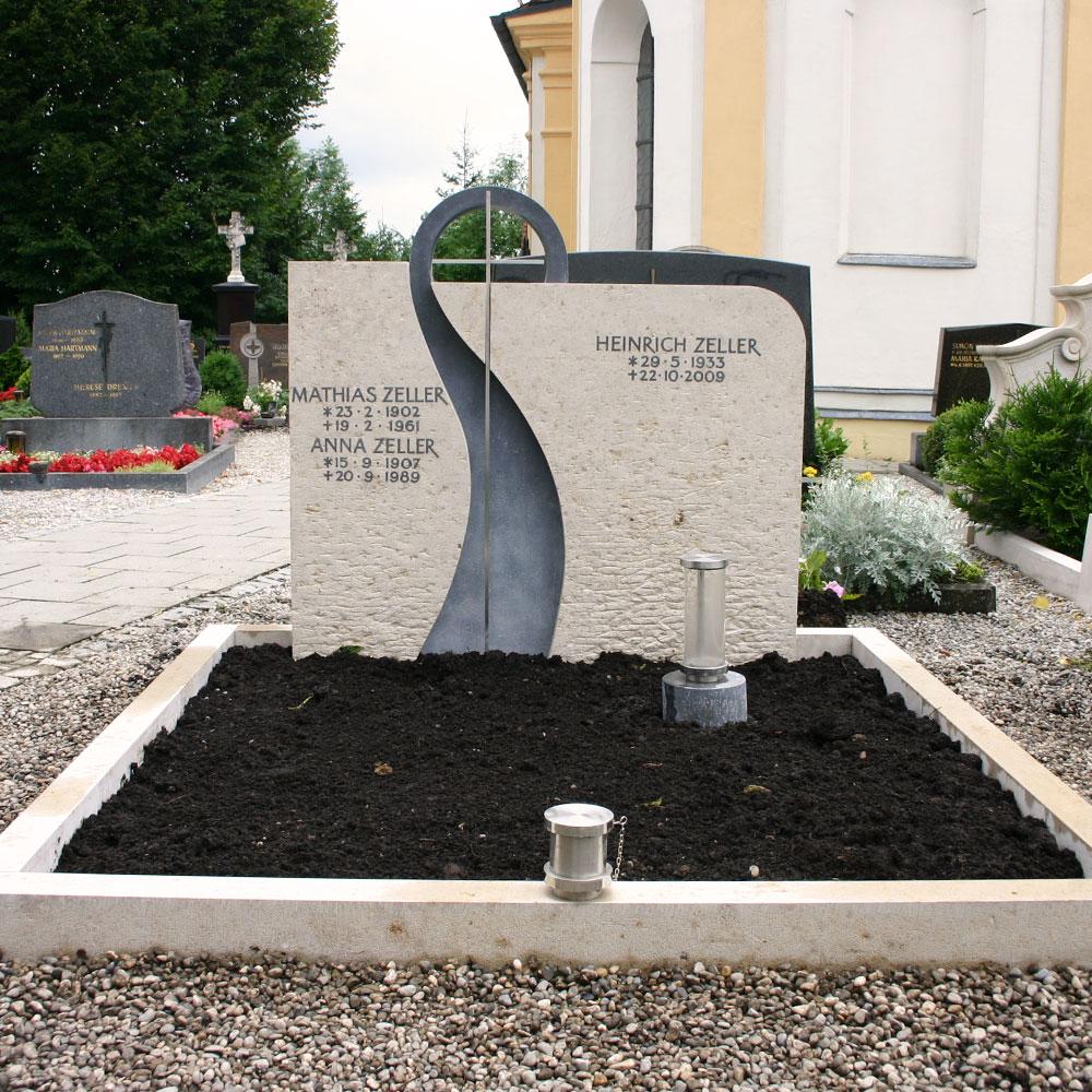 """Familiengrab """"Kreuz IV"""""""