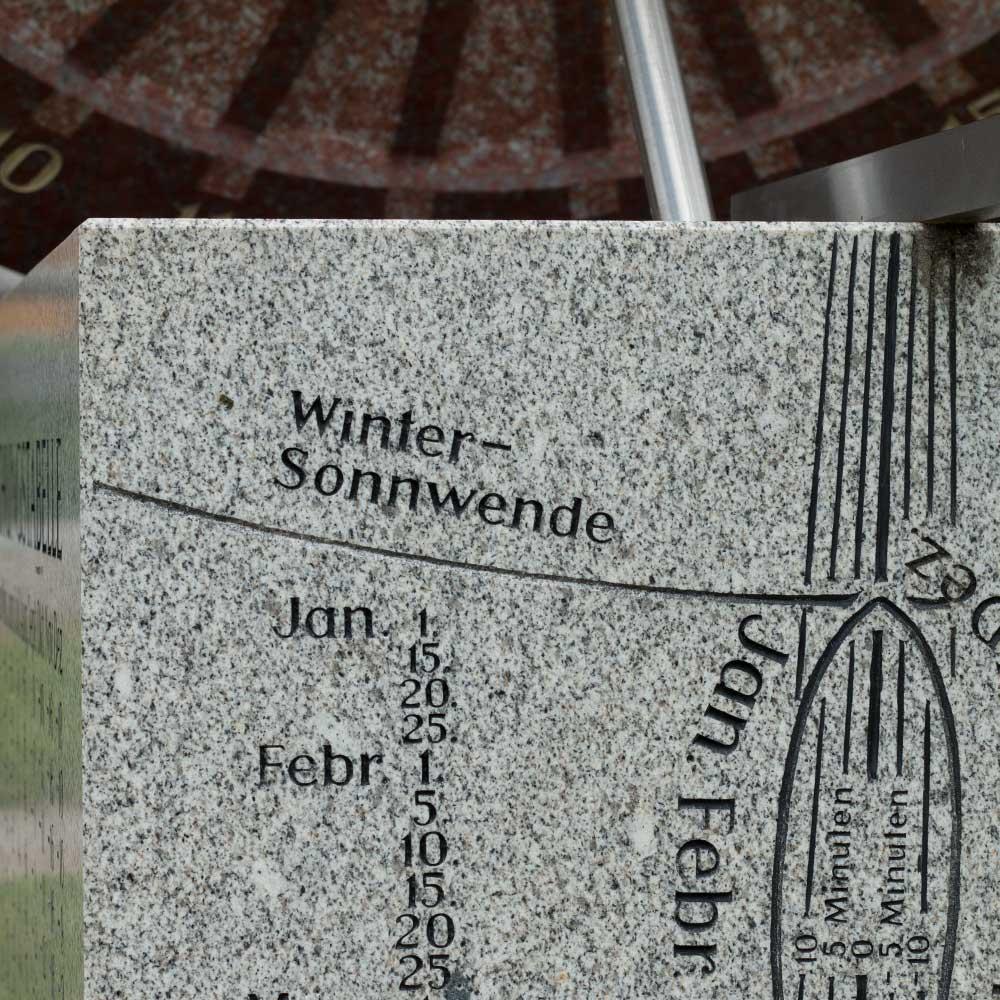 """Sonnenuhr """"Wagenrad"""""""