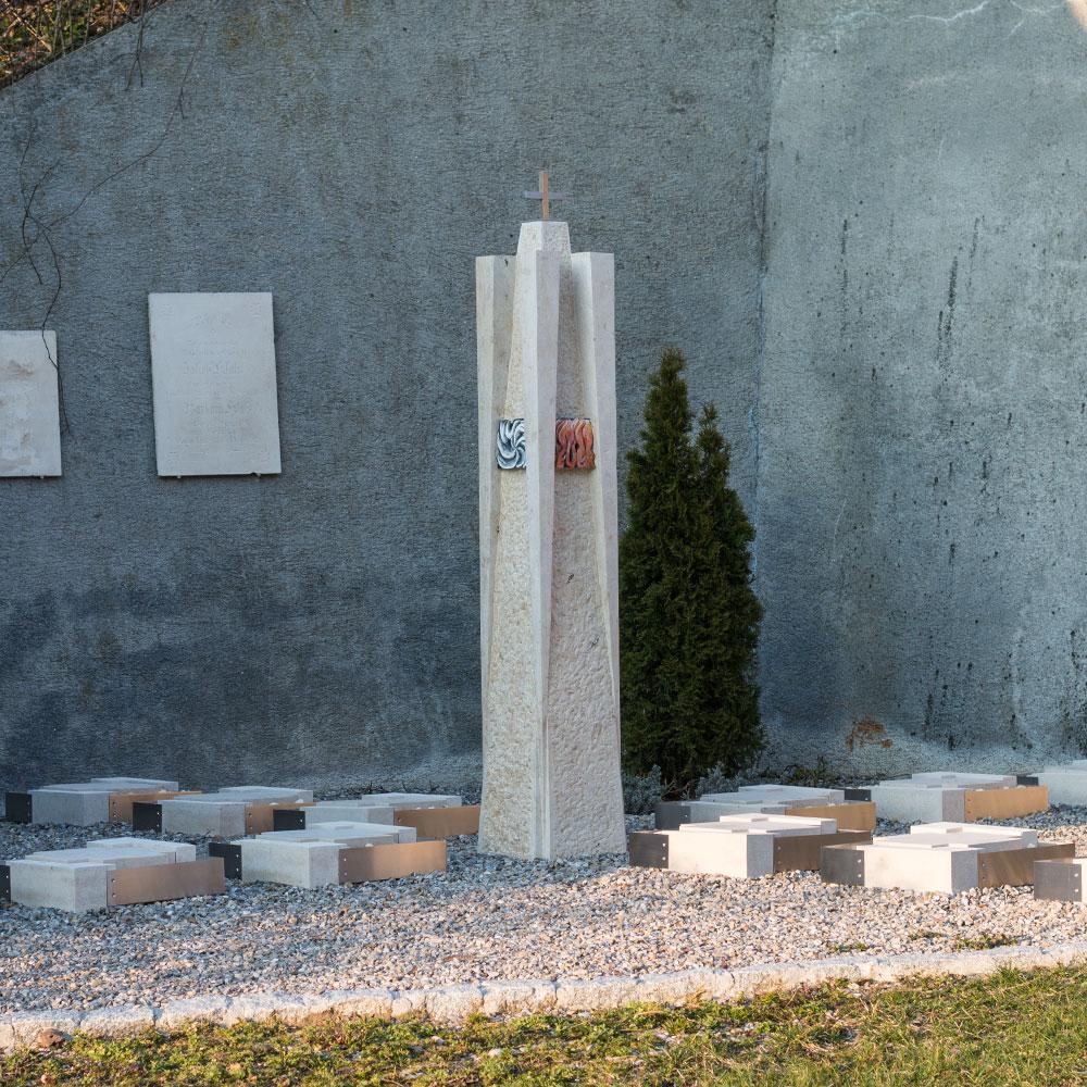 """Urnenanlage """"Elemente"""", Unterbergen"""