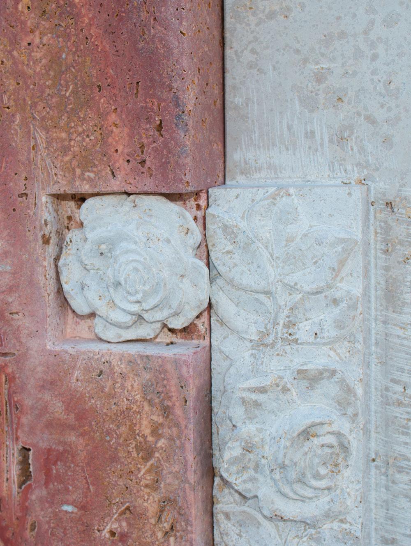 "Stele ""Rose IV"""