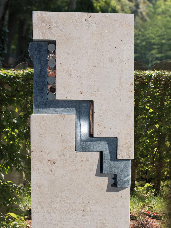 """Stele """"Stufen II"""""""