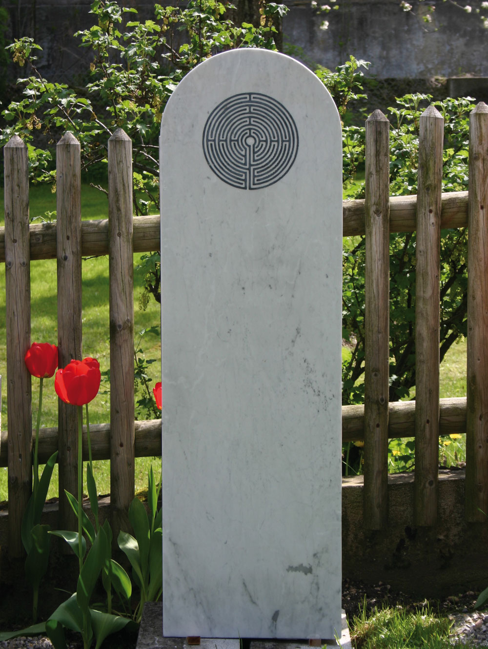 """Stele """"Chartres"""""""