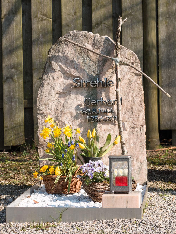 0010-grabstein-mosandl-steinmetz-strehle-1300