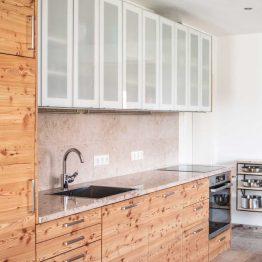 Küchenarbeitsplatten, Böden & Treppen